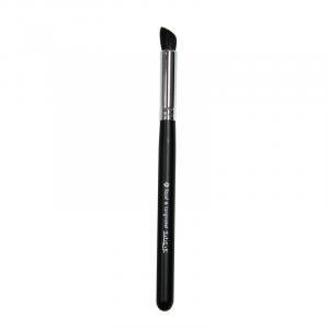 Silk Angled Eye Blender Brush